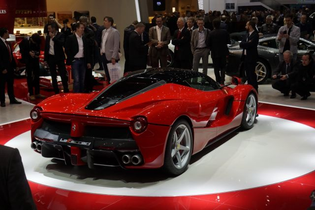 [Resim: alb_65_20_Ferrari-La-Ferrari-6%5B2%5D.jpg]